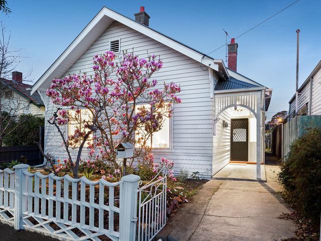 10 Lobb Street Coburg