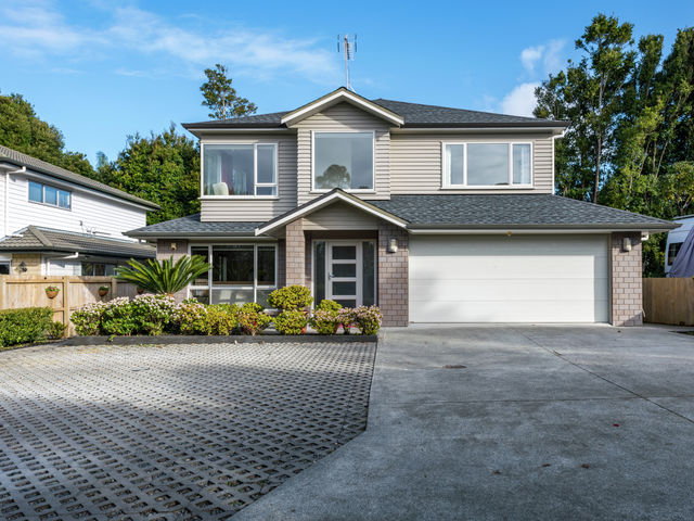 8A Bridge Ave Te Atatu South