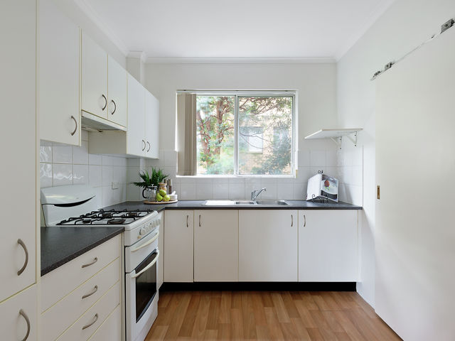4/14 Lismore Avenue Dee Why