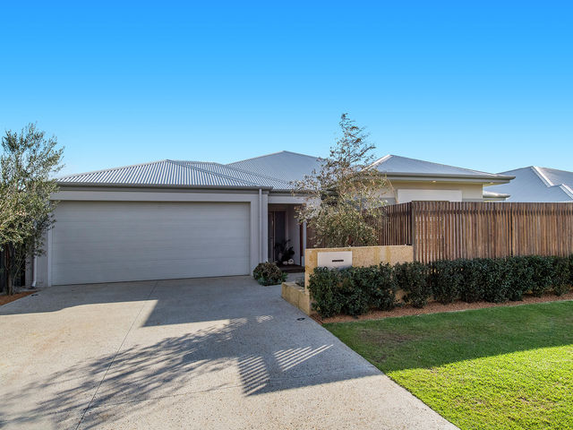 10 Stradbroke Rd Secret Harbour